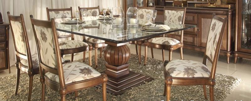 Cadeira de jantar clássica